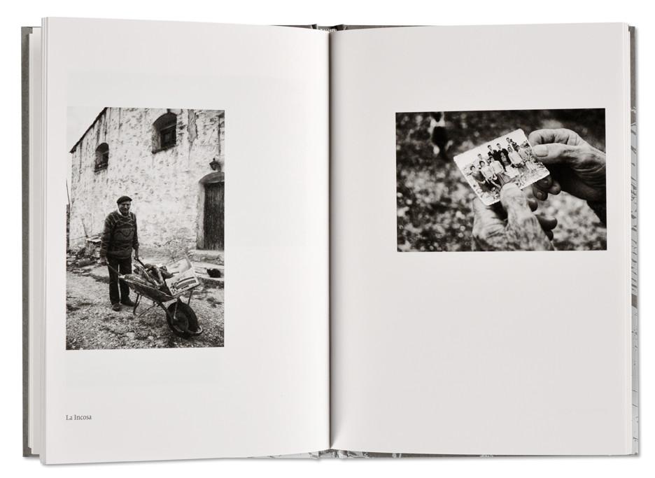 Los Últimos Masoveros, Angel Herranz, intérieur livre ouvert