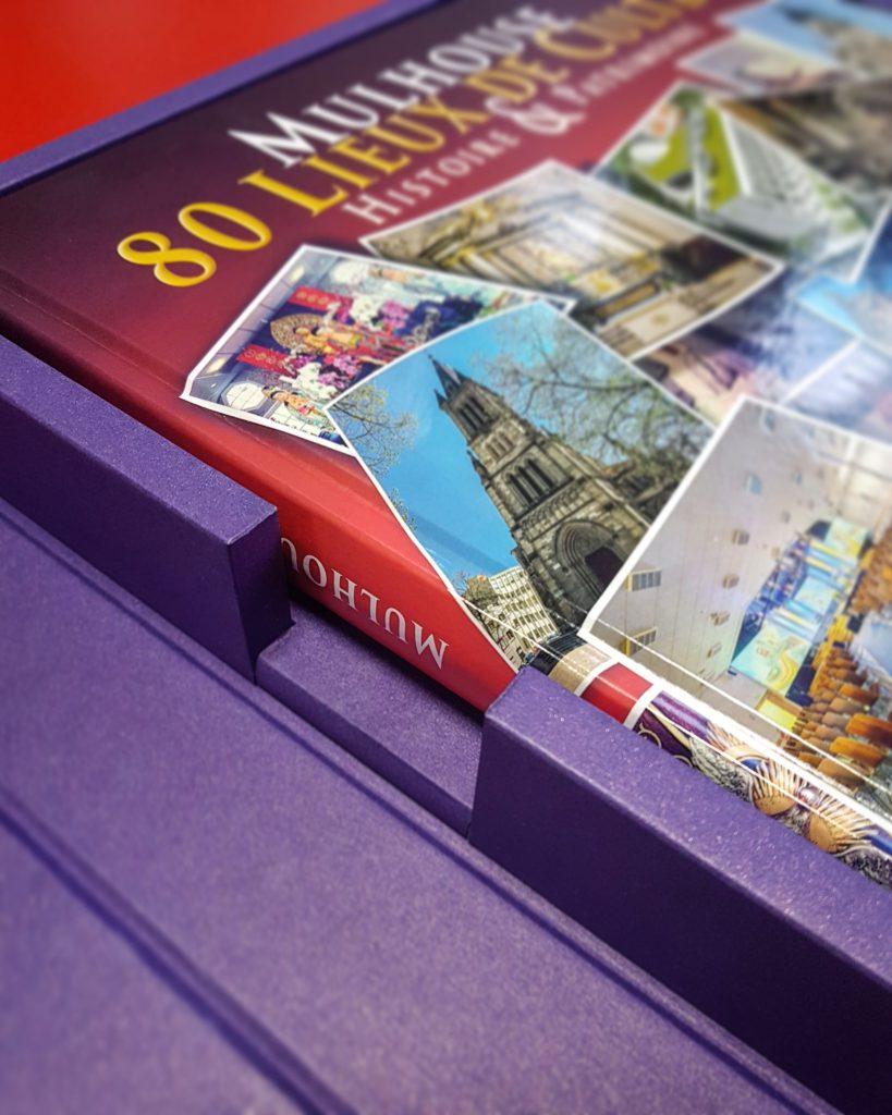"""Façonnage d""""exception, Coffret beau livre, Mulhouse, 80 Lieux de Culte, Histoire & Patrimoin, Oko Editions, détail coffret"""